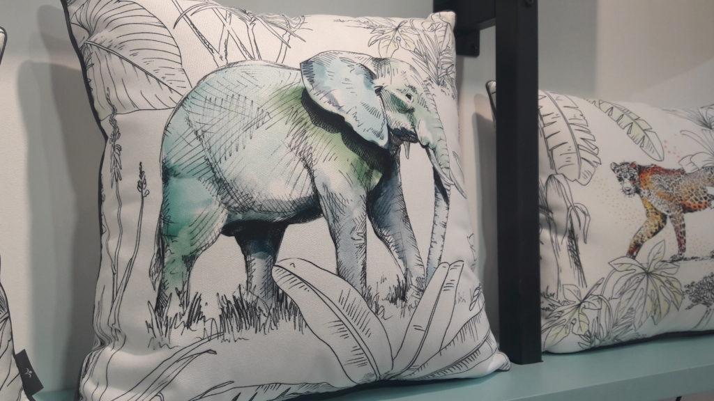 coussin elephant liligraffiti